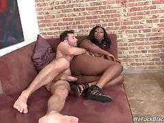 Slutty Lisa Tiffian Is Fond Of White Dick 1